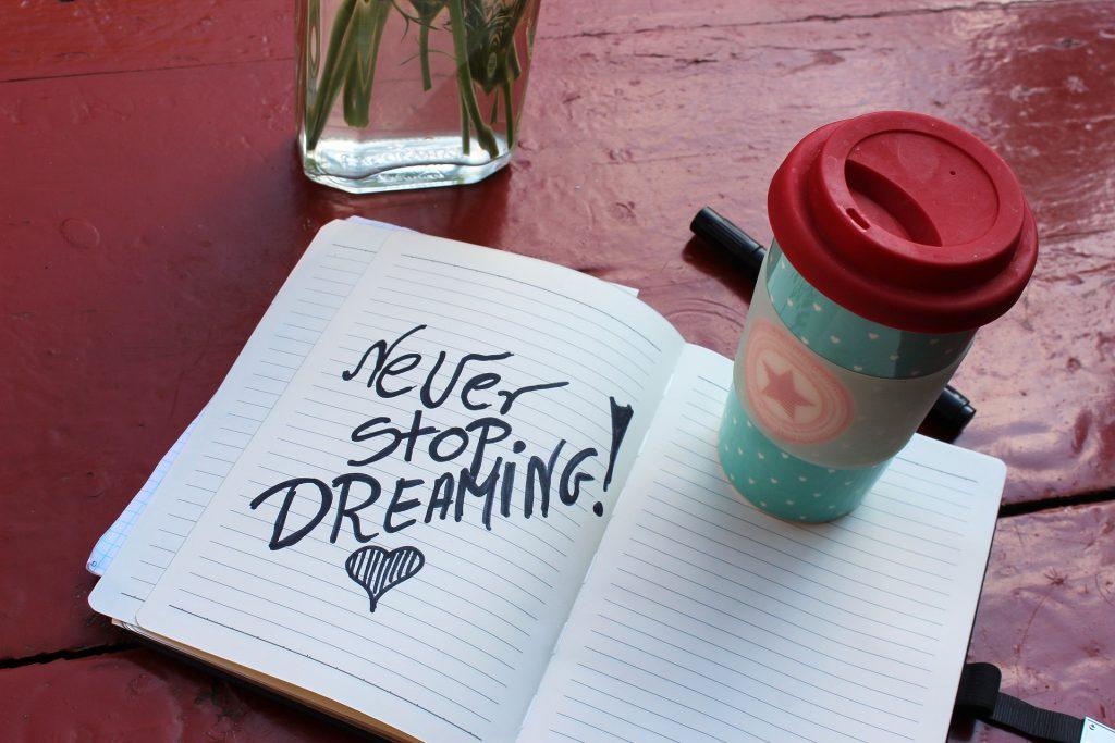 nunca pares de sonhar
